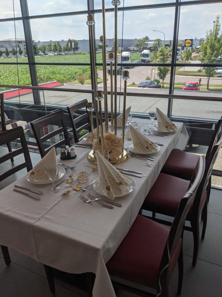 ARAM Restaurant in Gersthofen bietet einen perfekten Raum für Hochzeiten, Firmenfeiern & vieles mehr. Jetzt Raum mieten in Gersthofen